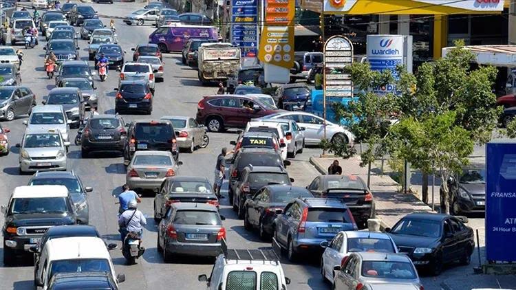 Dünya şokta: Lübnan'da yakıt stoku tükenmek üzere…
