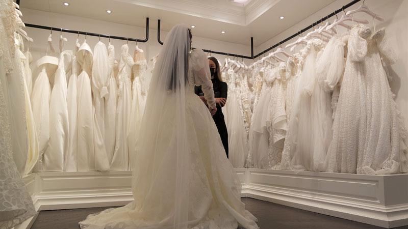 Bursa'da düğünler başladı, gelinlik siparişleri arttı