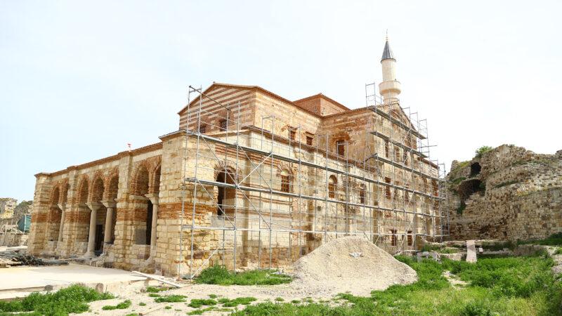 Kapalı olan tarihi cami 56 yıl sonra ibadete açılıyor
