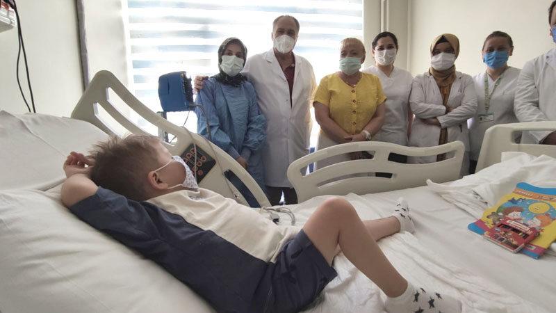 Bursalı Mustafa 6 aylık bebeğin böbrekleriyle hayata tutundu