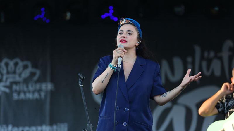 Nilüfer Caz Tatili Festivali'nde Ceylan Ertem konserinde Haluk Levent sürprizi