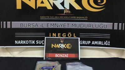 Bursa'da 4 şahsın üzerinde 420 gram uyuşturucu ele geçirdi