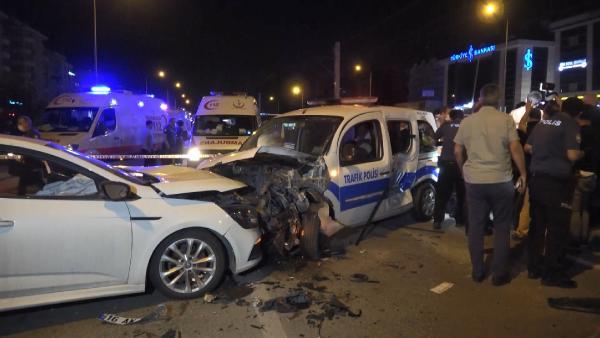 Bursa'da alkollü sürücü dehşeti: 2'si polis 4 yaralı