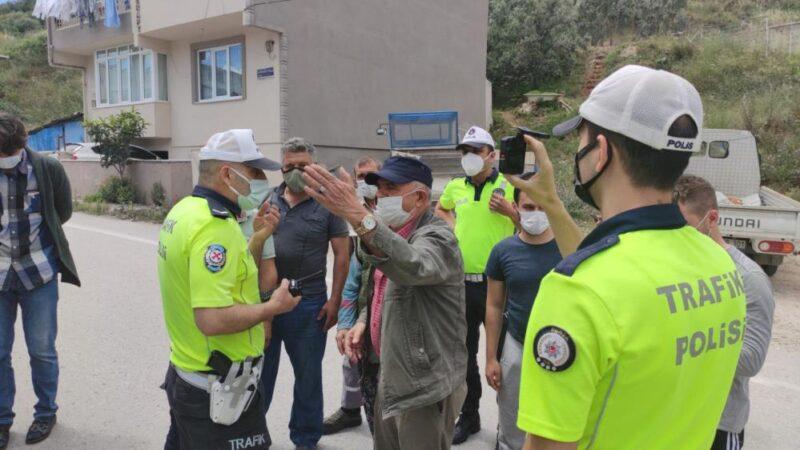 Bursa'da mahalleli isyan etti, yolu trafiğe kapattı