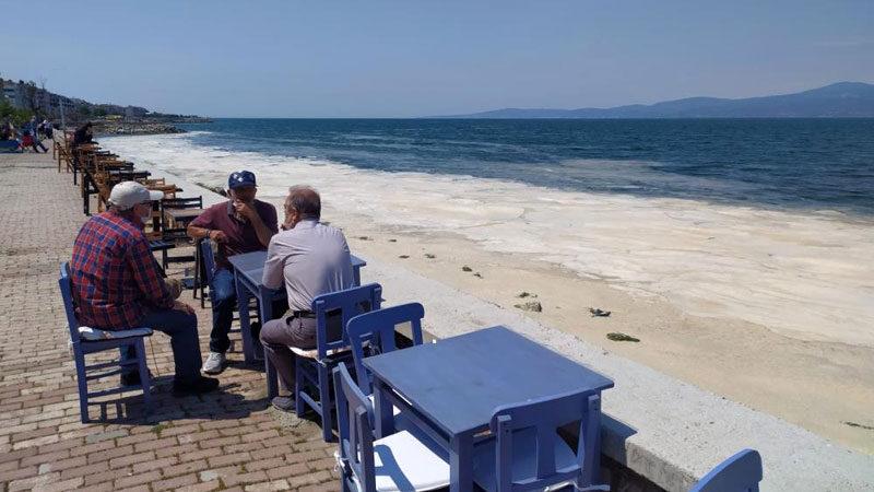 Yer: Bursa… 'Kâbus' manzaralı sahil keyfi