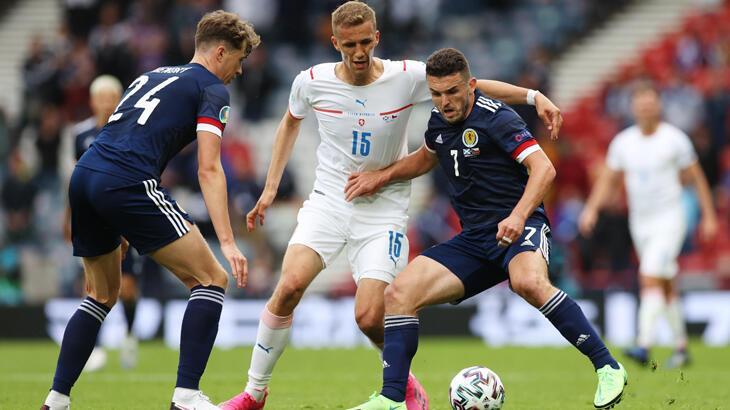 Çekya İskoçlar'ı golcüsüyle geçti!