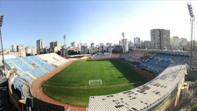 Tarihi stadyum yıkılıyor…