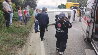 Bursa'da ambulans devrilip sürüklendi! Trafik kilitlendi