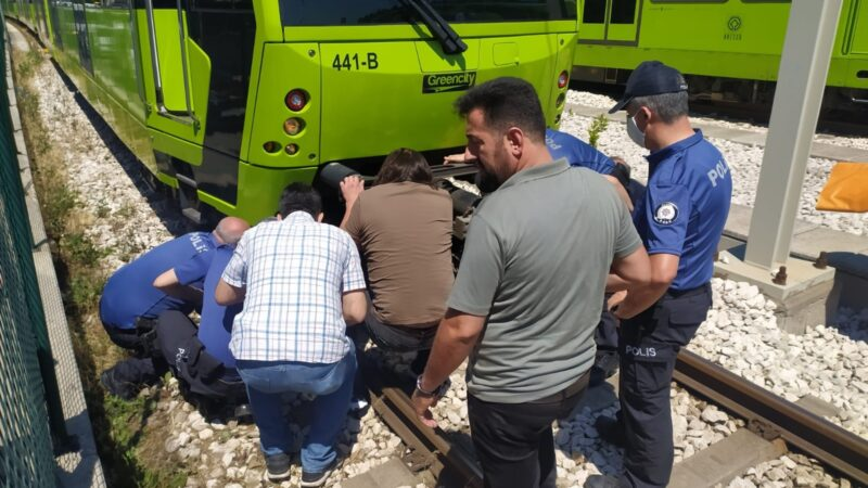 Bursa'da metro seferlerini kilitleyen olay