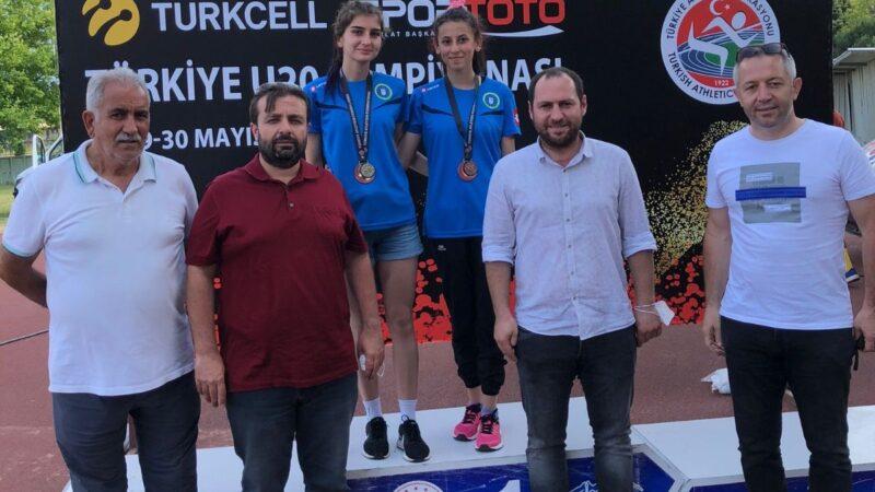 Bursalı atletler pistin tozunu attı!