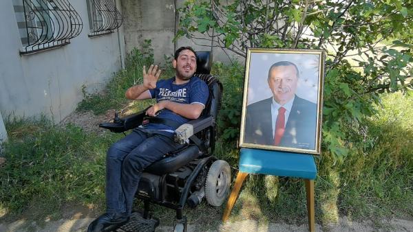 Bursa'da bedensel engelli Emir'in Erdoğan'la görüşme hayali gerçek oldu