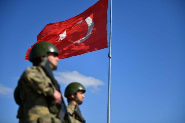 Yunanistan'a kaçmaya çalışan 2'si PKK'lı 3 kişi yakalandı