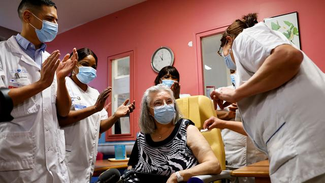 AB'de yapılan aşı sayısı 250 milyonu geçti