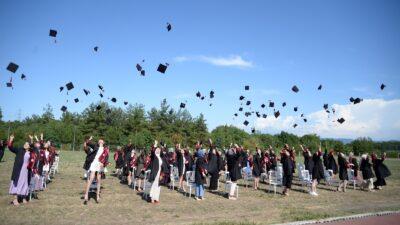 Hemşirelerin mezuniyet heyecanı