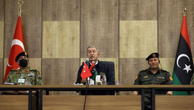 Bakan Akar'dan Libya'da kritik temaslar