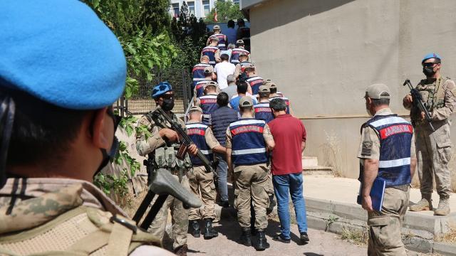 Uyuşturucu ile teröre fon sağlayan 33 kişiye tutuklama