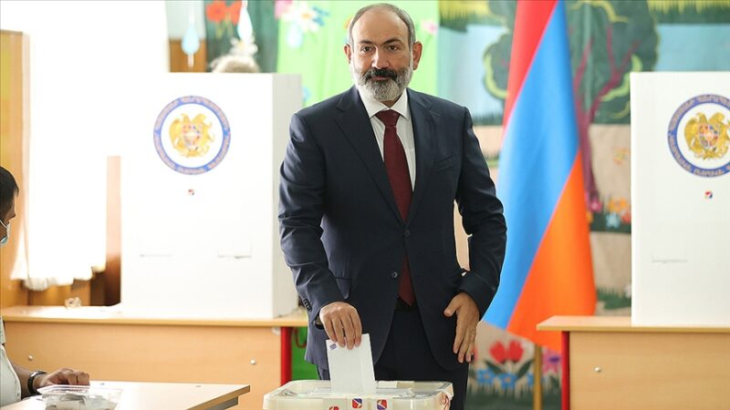 Ermenistan'da sandıktan Paşinyan çıktı