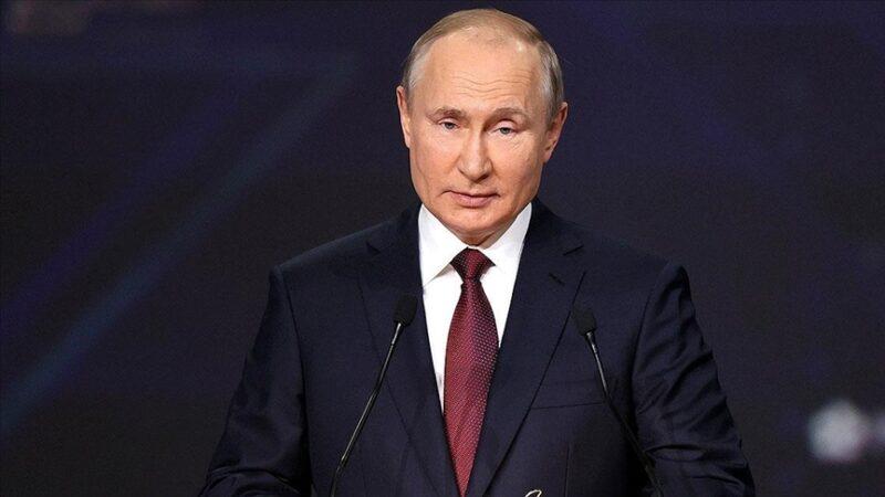 Putin'den 'ABD doları silah olarak kullanıyor' açıklaması