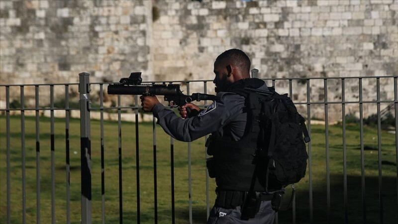 İsrail polisi Mescid-i Aksa'da Filistinlilere müdahale etti