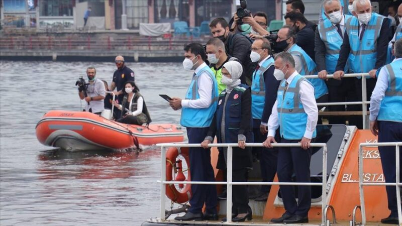 Marmara'ya 'nefes' verecek cihazlar denize bırakıldı