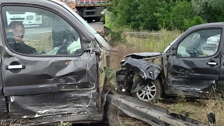 Kazada şoka giren kadın araçtan çıkamadı