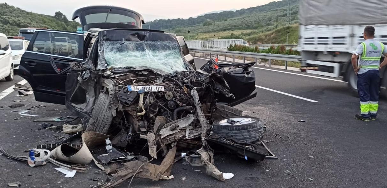 Bursa'da otobanda korkunç kaza: 1 ölü, 1 yaralı
