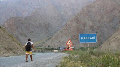 Kitap yazmak için yola çıktı, 210 günde yürüyerek 76 şehir gezdi