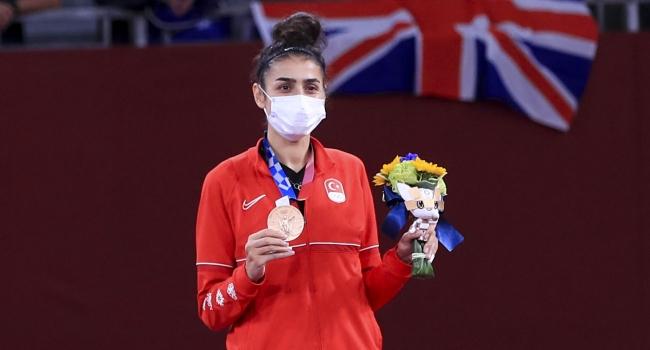 Bursa'ya ilk Olimpiyat madalyasını getiren Hatice Kübra'dan açıklama