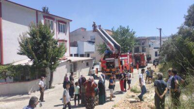 Bursa'da yangında can pazarı! Öğretmen kurtardı