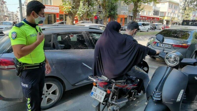 Yer: Bursa… Yaralı kadın, polis aracıyla evine bırakıldı