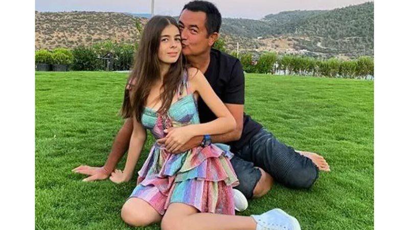 Acun Ilıcalı'nın kızı Yasemin Ilıcalı'nın elbisesi olay oldu