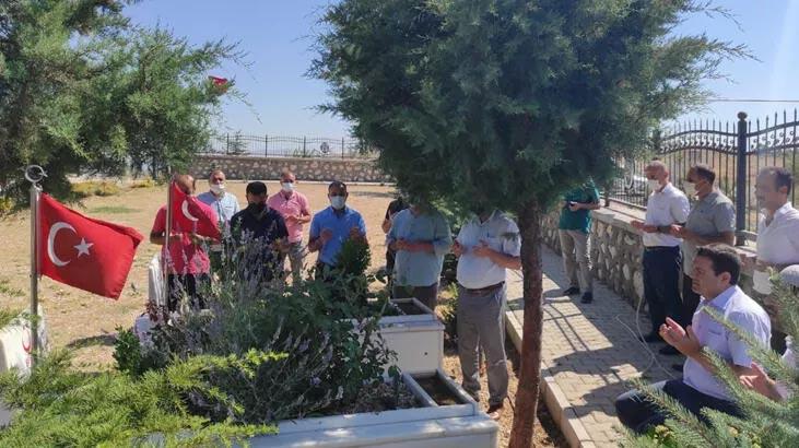 Elazığ'da 15 Temmuz şehidi Eyyüp Oğuz mezarı başında anıldı