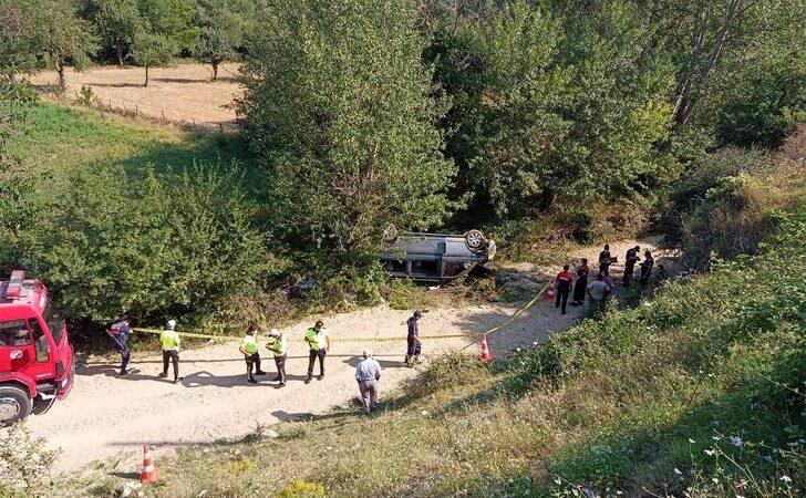 İşçilerini taşıyan minibüs kaza yaptı: 1 ölü, 8 yaralı