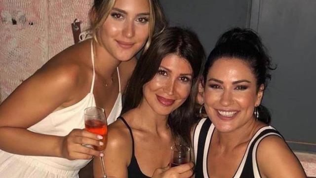 İclal Aydın kızı ve kardeşiyle poz verdi! Sosyal medya yıkıldı