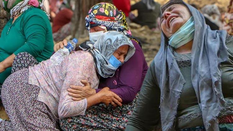 Manavgat'taki yangında can veren Kardaş çiftine gözyaşlarıyla veda