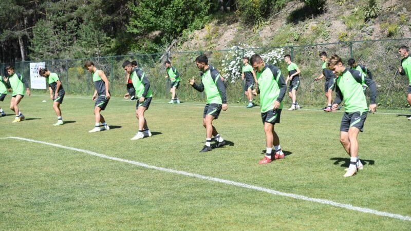 Timsah yeni sezona ağır antrenmanlarla hazırlanıyor
