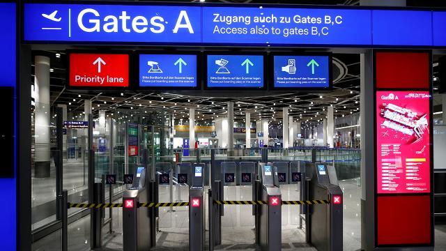 Almanya'da havalimanında bıçaklı saldırı