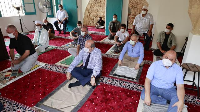 Kapalı Maraş'ta Bilal Ağa Mescidi'nde 47 yıl sonra ilk cuma namazı
