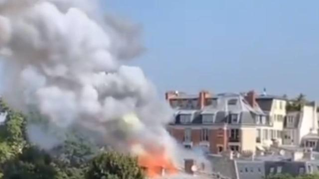 Fransa'da Başbakanlık binası yakınlarında yangın