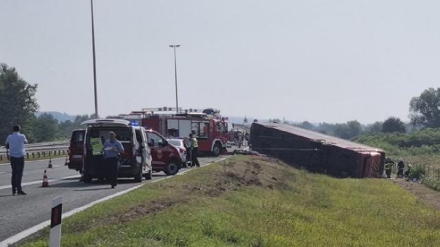 Otobüs devrildi: 10 ölü