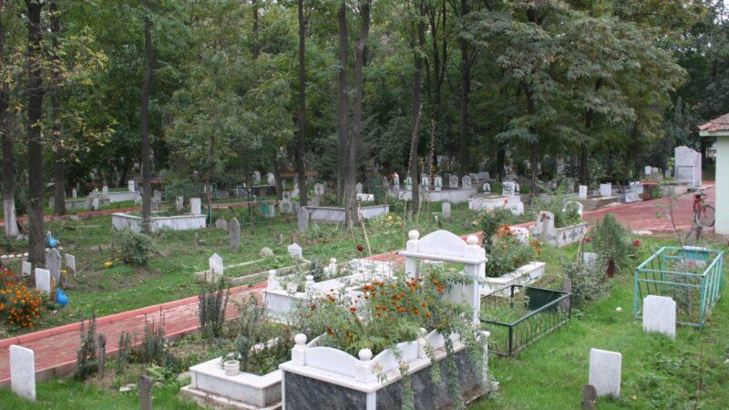 İnegöl'de yetki belgesi almayan mezarlıklarda işlem yapamayacak