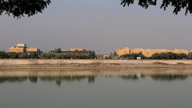 Bağdat'ta ABD Büyükelçiliğine saldırı