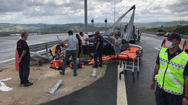 Otoyolda feci kaza: 1 ölü, 4 yaralı