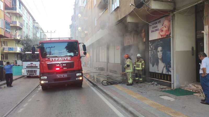 Bursa'da kuaförde yangın