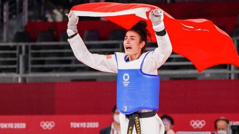 Hatice Kübra tarih yazdı! Bursa'ya ilk Olimpiyat madalyasını kazandırdı