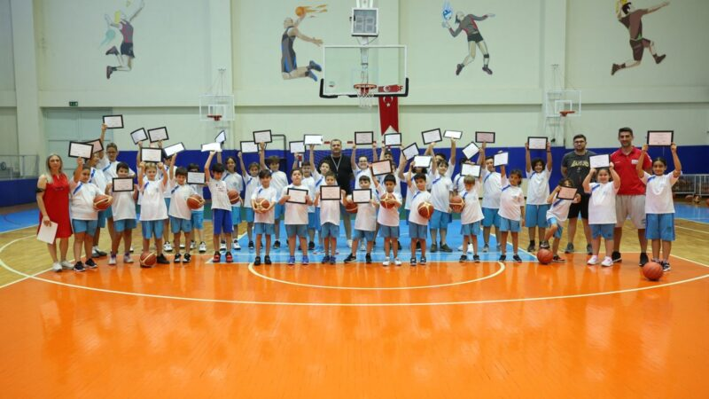Nilüfer Yaz Spor Okulları'nda sertifika heyecanı