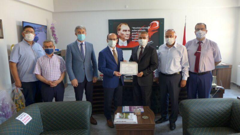 Bursa'nın en yaşlı öğrencisi mezun oldu!