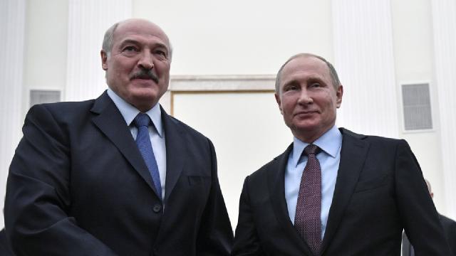 Putin'den AB'ye karşı Belarus'a destek açıklaması