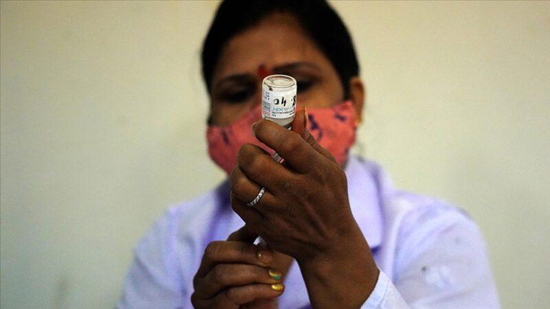 Dünya genelinde 4 milyar 70 milyon dozdan fazla aşı yapıldı
