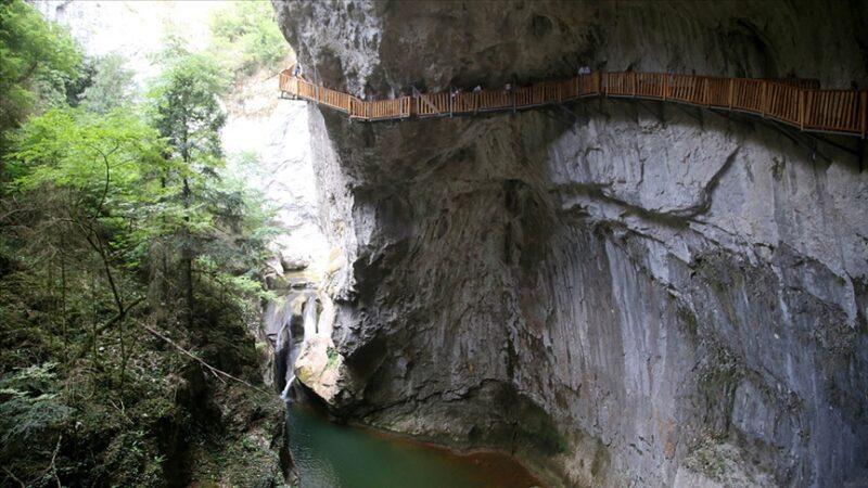 Dünyanın en derin 2. kanyonu! Buraya giren 12 kilometre yürümeden çıkamıyor